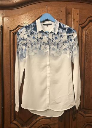 Белая рубашка 👕  с цветочным принтом