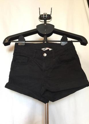Чёрные шорты с подворотами h&m