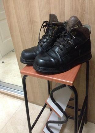Добротные не убиваемые и стильные ботинки41раз marc gore-tx