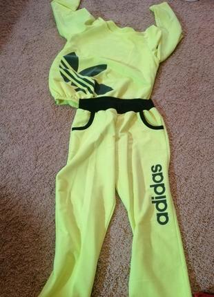 Спортивный костюм. Лимонный. Дешёво