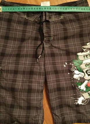 Детские шорты H&M, с подкладкой и оригинальным рисунком (черепом)