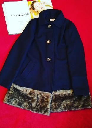 Шикарне пальто з елементами штучного хутра