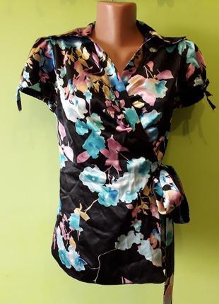 Атласная блуза на запах