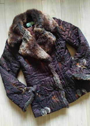 Женская курточка меховым воротником
