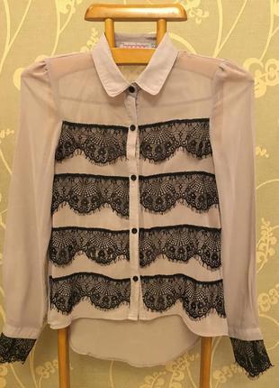 Очннь красивая и стильная брендовая блузка.