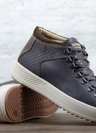 Стильные кожаные зимние ботинки Zangak