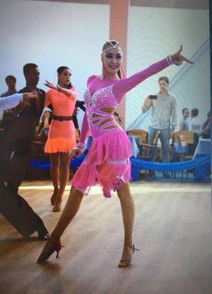 Платье для спортивно– бальных танцев ( латино )