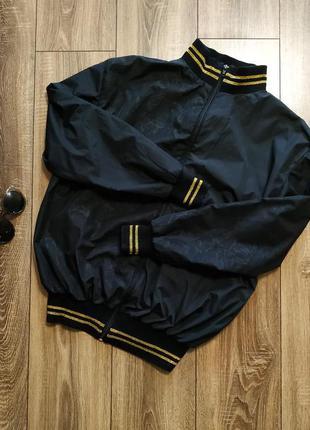 Женская куртка ветровка /бомбер