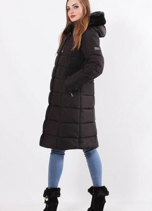 Зимняя женская куртка с капюшоном .куртка зимняя с опушкой черная