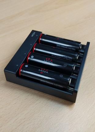 Зарядка и аккумуляторы 18650, комплект