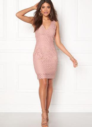 Платье розовое пудровое бежевое кружевное новое миди по фигуре...