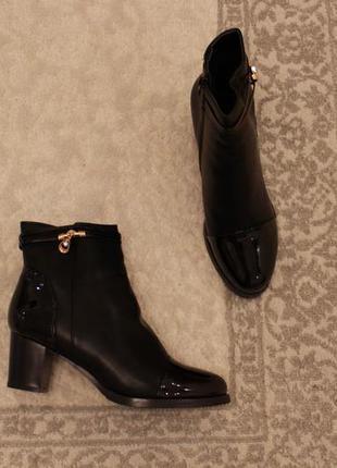 Зимние ботильоны, ботинки 40 размера на устойчивом каблуке