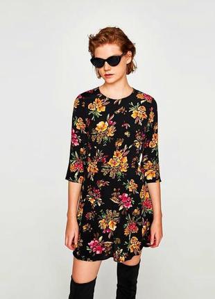 Zara платье в цветочный принт