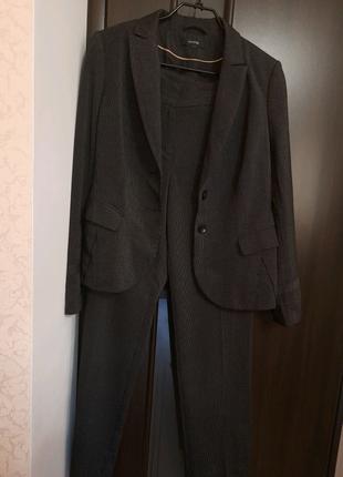 Новый женский костюм Comma'