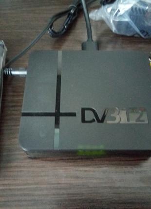 Цифровой эфирный тюнер Т2 DVD T2