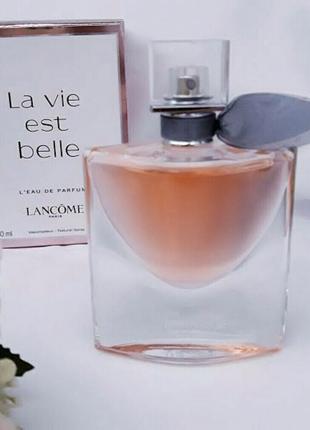 Женская парфюмированная вода Lancome La Vie Est Belle