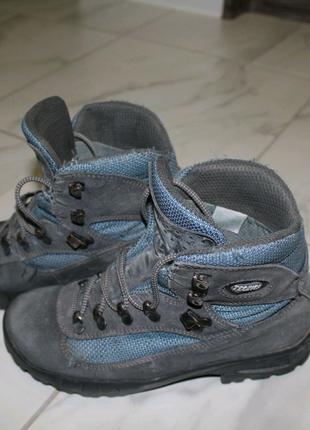 Трекинговые зимние ботинки
