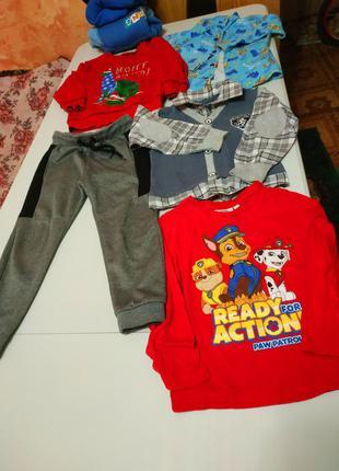 Пакет вещей на мальчика 3-4 года + новогодний свитер