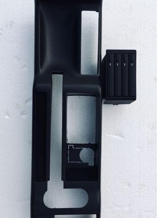 Панель ручного тормоза Ауди А4 Б5 ниша подлокотника касетница