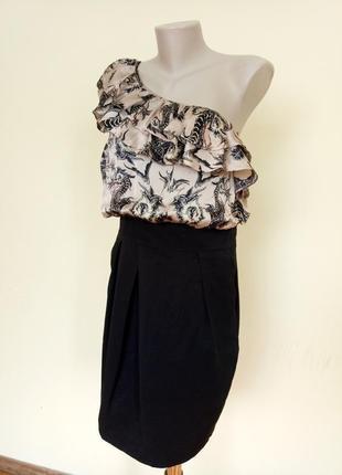 Шикарное нарядное платье шелк