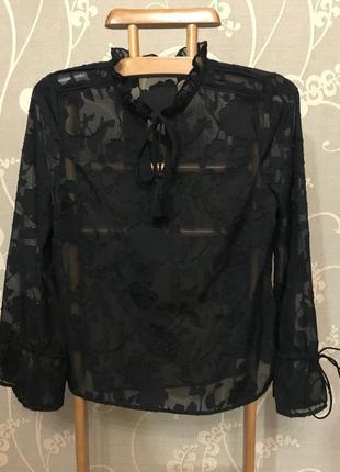 Нереально красивая и стильная брендовая блузка чёрного цвета.