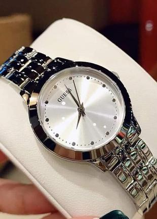 Часы guess стальной браслет коллекции dress steel