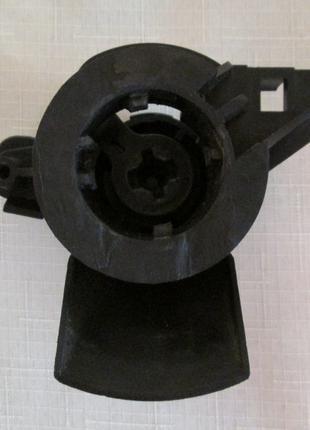 Кронштейн личинки замка багажника Форд Фокус 2/Форд С-МАХ 2003-20