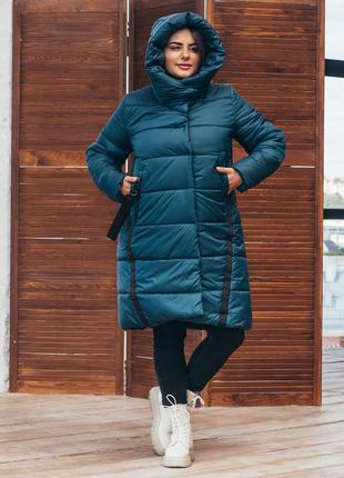 Зимняя удлиненная женская куртка свободного силуэта