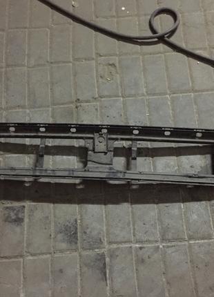 Кронштейн заднего бампера Мерседес-Бенц W210