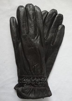 Кожаные коричневые перчатки