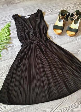 Чёрные платье в рубчик