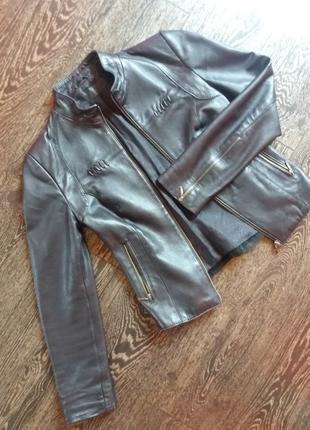 Женская кожаная курточка, куртка