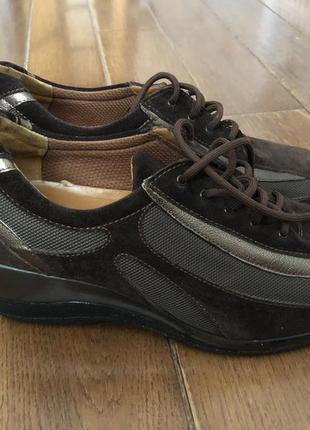 Обувь сникерсы melluso