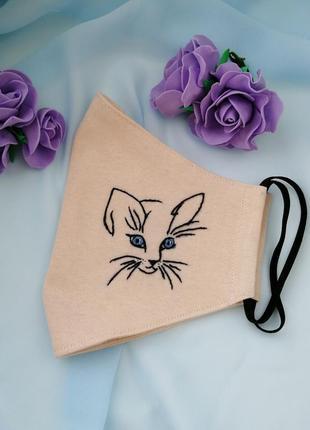 Маска тканевая с ручной вышивкой кот