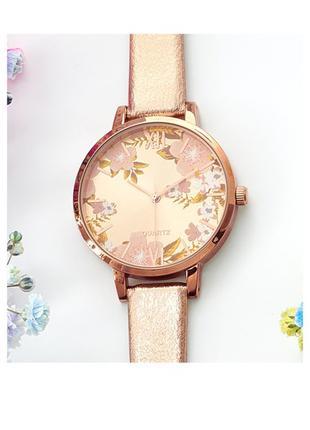 Женские часы с цветочным циферблатом