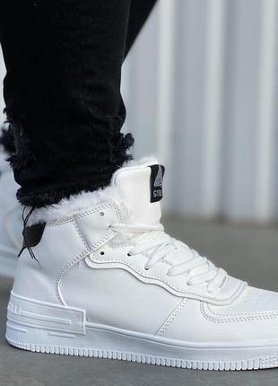 Мужские высокие теплые кроссовки stilli