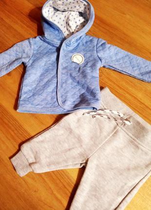 Primark тепленький костюмчик ( сборный) для новорожденных -1 м...
