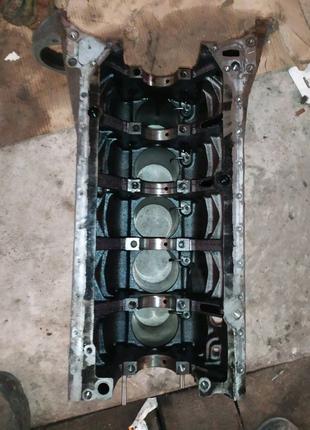 Блок двигателя двигуна Мерседес спритнтер Mercedes sprinter 2.7