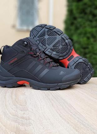 Кроссовки мужские зимние adidas climaproof высокие чёрные с кр...