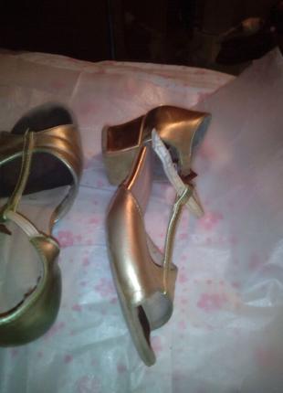 Обувь спортивная ,для танцев ,девочки