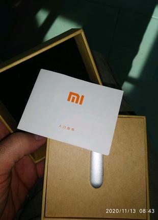 Браслет Xiaomi mi band 1 состояние идеальное.
