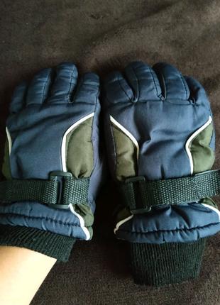 Перчатки на мальчика 6-8 лет