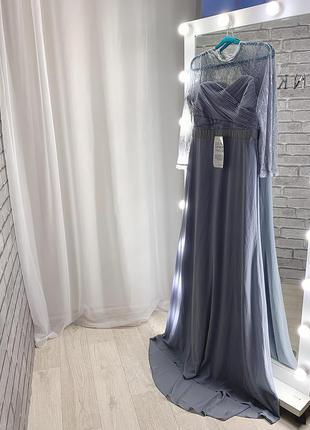 Шикарнейшее вечернее платье со шлейфом
