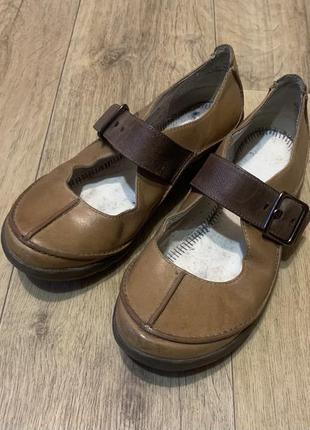 Туфли кожаные, балетки на застежке