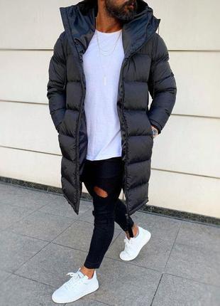 Мужская зимняя удлиненная куртка черного цвета