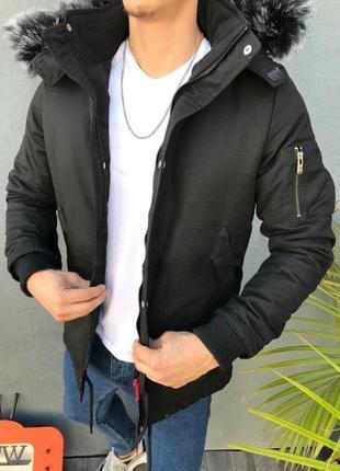 Мужская зимняя куртка черного цвета