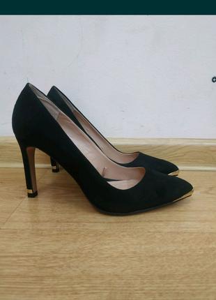 Туфли черные замшевые Stradivarius 36 размер