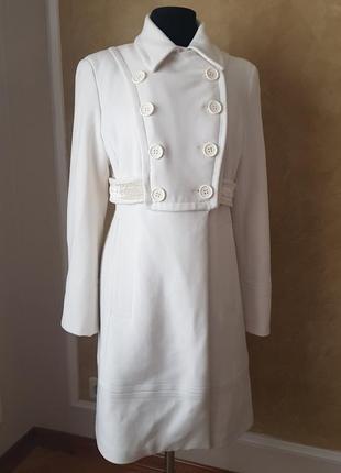 Белое пальто favori