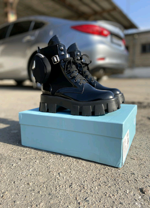 Prada взуття. Сапожки. Ботинки.
