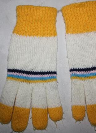 Перчатки бело-желтые мальчику,девочке от 4до 7лет,отличное